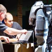 Movimiento asistido por micromotor en un exoesqueleto